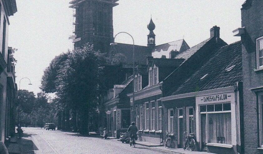 <p>Bron: Heemkundekring &#39;De Heerlijkheid Oirschot&#39;; tekst: Ad van Zelst, met hulp van mevr. Van Zelst-Priem</p>