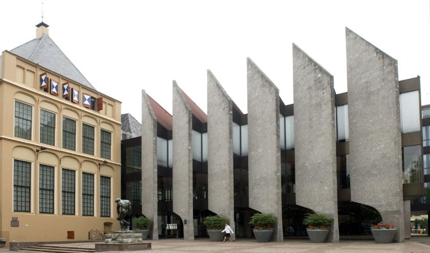Het stadhuis van Zwolle, vergaderplek van de gemeenteraad.