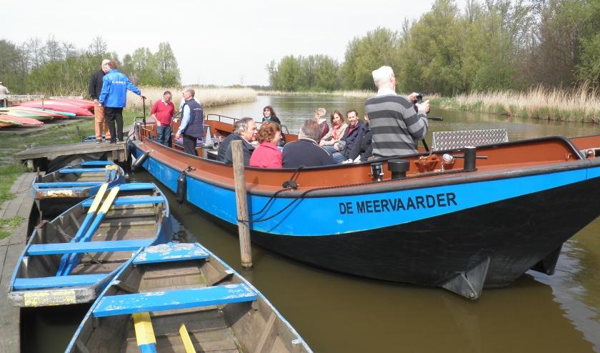 Rondvaartboot De Meervaarder vertrekt vanaf de aanlegplaats bij boerderij 't Geertje. Foto Kees van Rongen