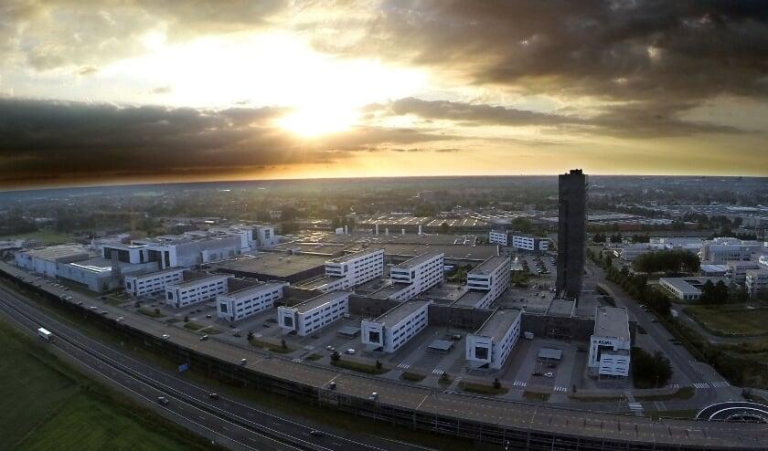 Ook vanuit de lucht is AMSL een imposant bedrijf. FOTO: Bert Jansen.