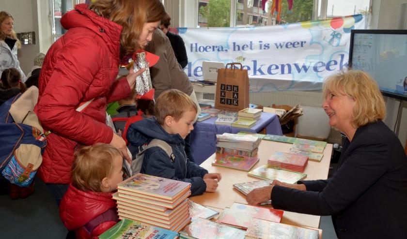 Kinderboekenschrijfster Vivian den Hollander geeft haar visie op de Goudse Geheimen. Foto: Marianka Peters