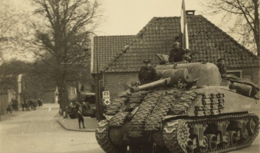 Een van de foto's die te zien is bij de tentoonstelling 'Dagelijks leven in de Tweede Wereldoorlog'. Een tentoonstelling die met veel zorg is samengesteld en nu eindelijk door publiek bewonderd kan worden.