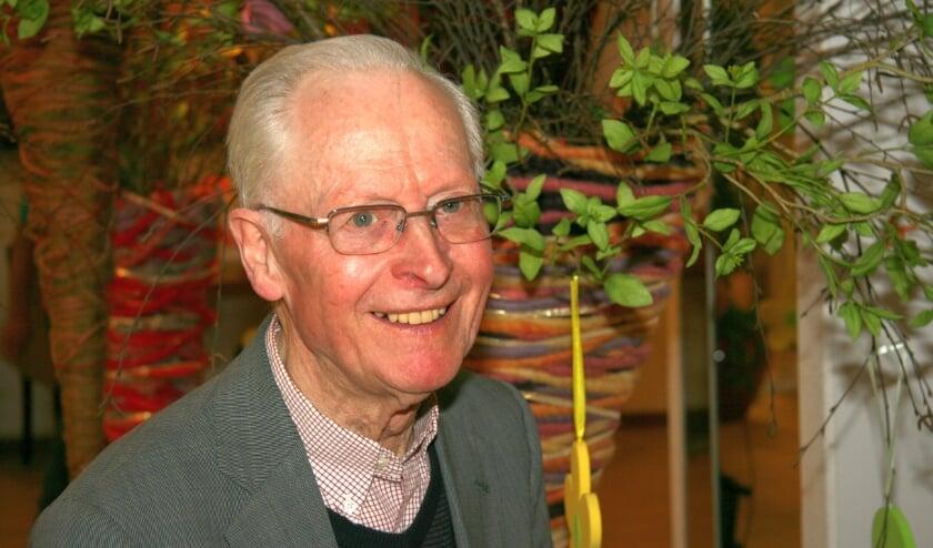 De Almelose pastor Theo van Ewijk werd zestig jaar geleden tot priester gewijd. (Foto: Joseph Lenferink)