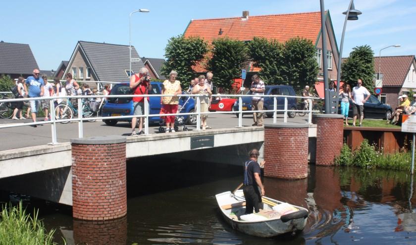 Als het aan de Wapenveldse organisaties ligt wordt ook de Manenbergerbrug beweegbaar.