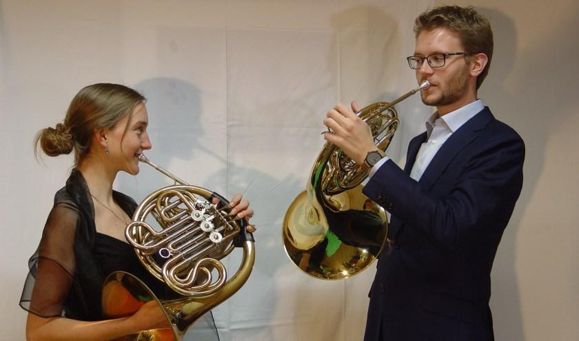 Violinde den Breeijen en Bram Leemeijer brengen werkvan Franz Joseph Strauss ten gehore.