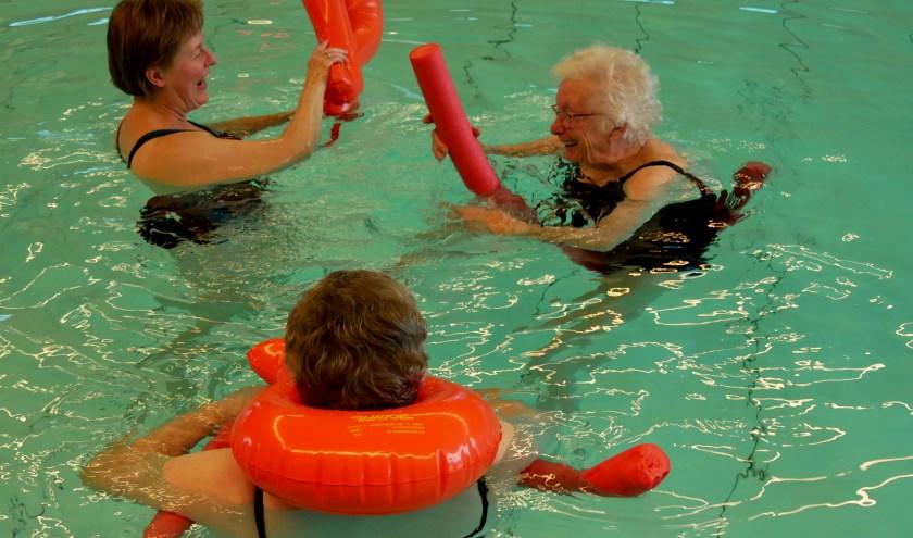 Bij Stichting Revalidatie Zwemmen Hellendoorn en omstreken kan iedereen meedoen op zijn of haar eigen niveau