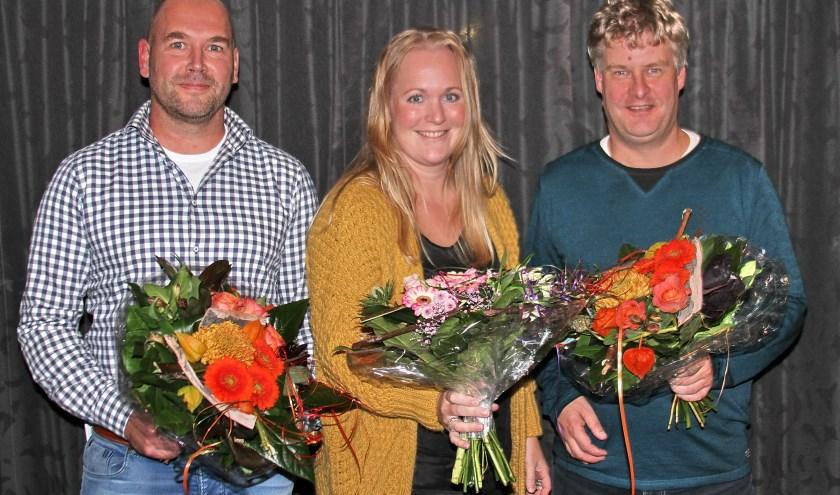 Bas Kolkman, Linda Slag en Ewald Wennemers tijdens hun afscheid als bestuursleden van De Zweef.
