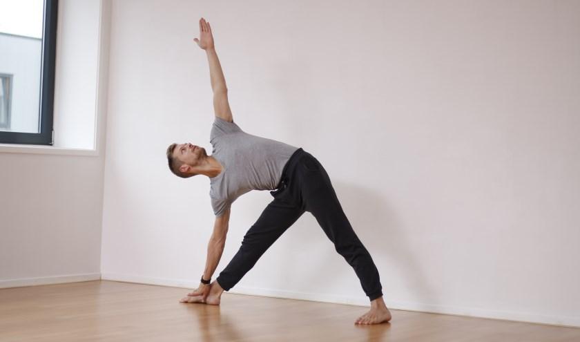 """Yogadocent Sander Hali: """"De verandering die ik persoonlijk heb gemaakt, is wat ik iedereen wil aanmoedigen om te doen."""""""