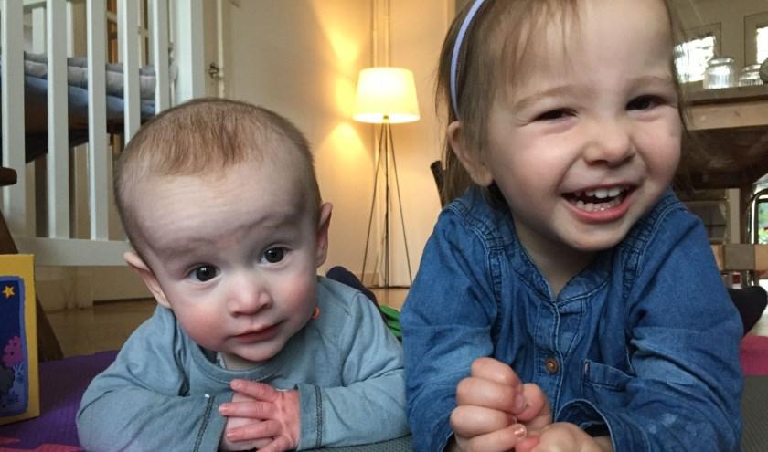 Julia en broertje Valentijn.
