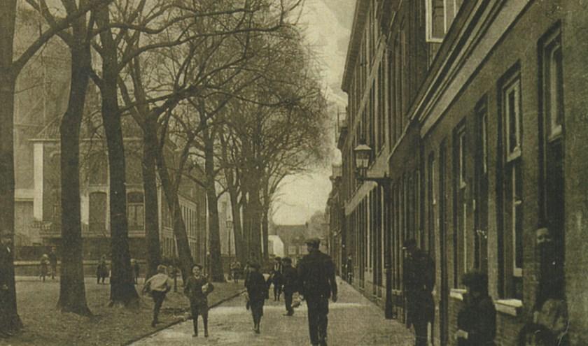 De Zuiderstraat, ver voor de bouw van De Veste.