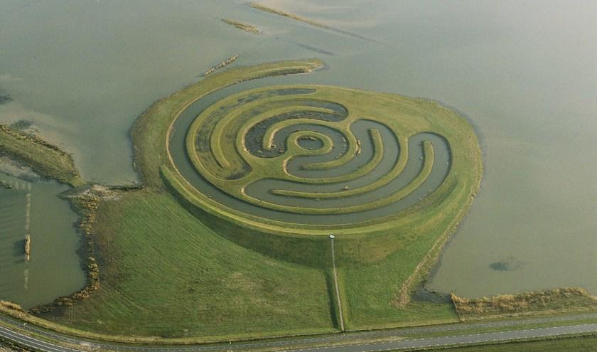 Het project 'Wassende Maan' in het project Noordwaard van Ruimte voor de Rivier werd ook ontworpen door Paul de Kort.
