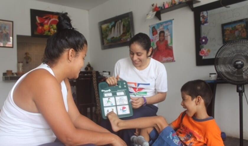 """<p pstyle=""""Intro"""">Foto is gemaakt door Maria Poulisse in haar dagopvang voor gehandicapte kinderen in Barranquilla, Colombia. Wilde Ganzen vermeerdert haar deel met maar liefst 100 procent.</p>"""
