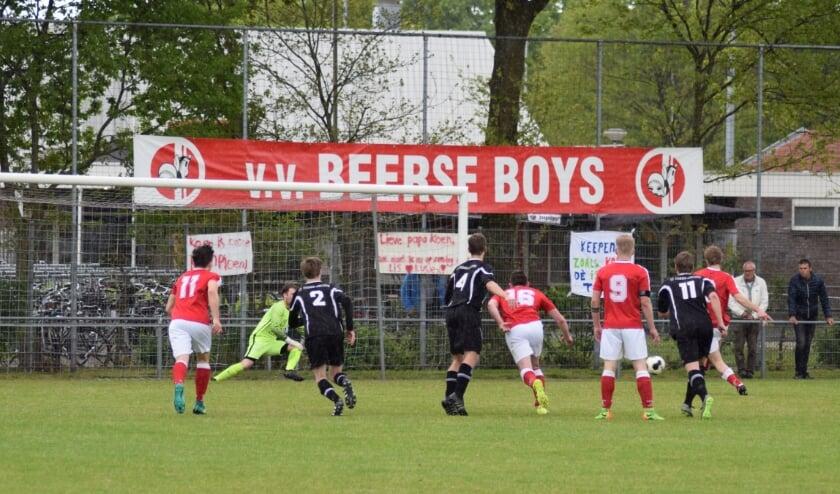 Een actiefoto van en bij vv Beerse Boys. Foto: Peter van Gerven