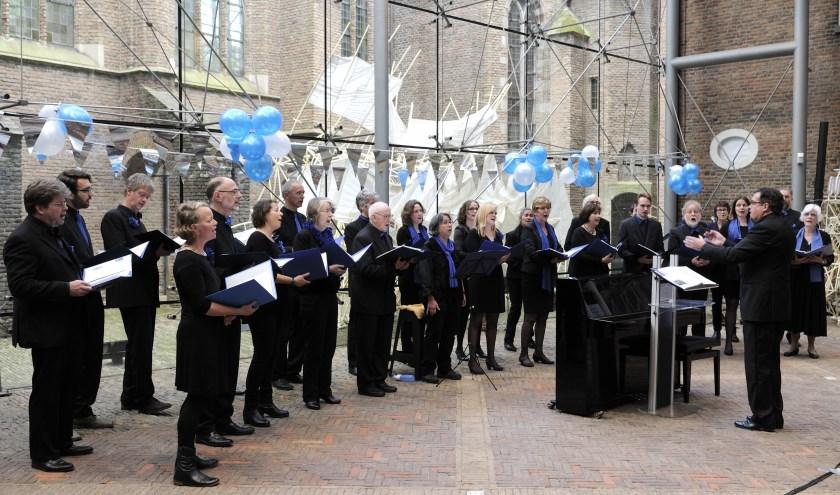 Kamerkoor Delft Blue brengt een bloemenprogramma met componisten uit de 20ste eeuw.