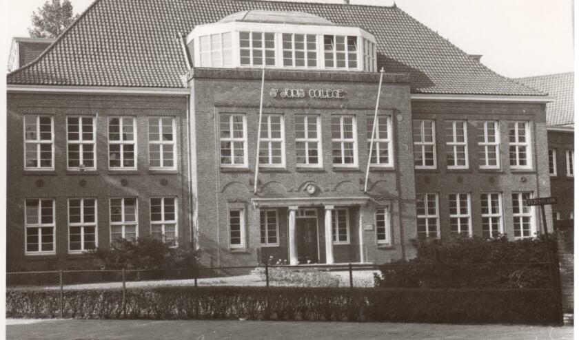 <p>Het oude Sint Joris College aan de Elzentlaan</p>