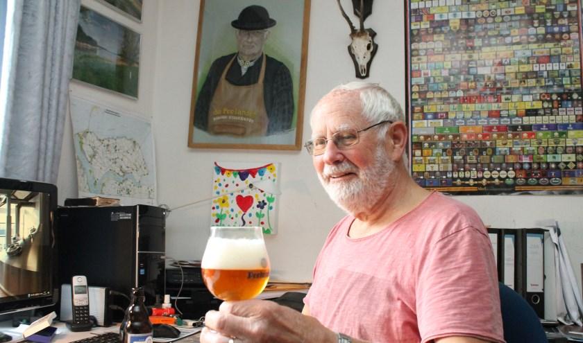 Fré Buijze brouwt bier.