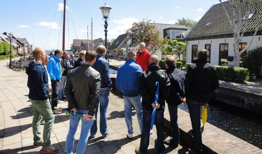 <p>In Roelofsarendsveen brandde al eerder overdag de straatlantaarns. Foto ter illustratie van Karin Wagter uit archief</p>