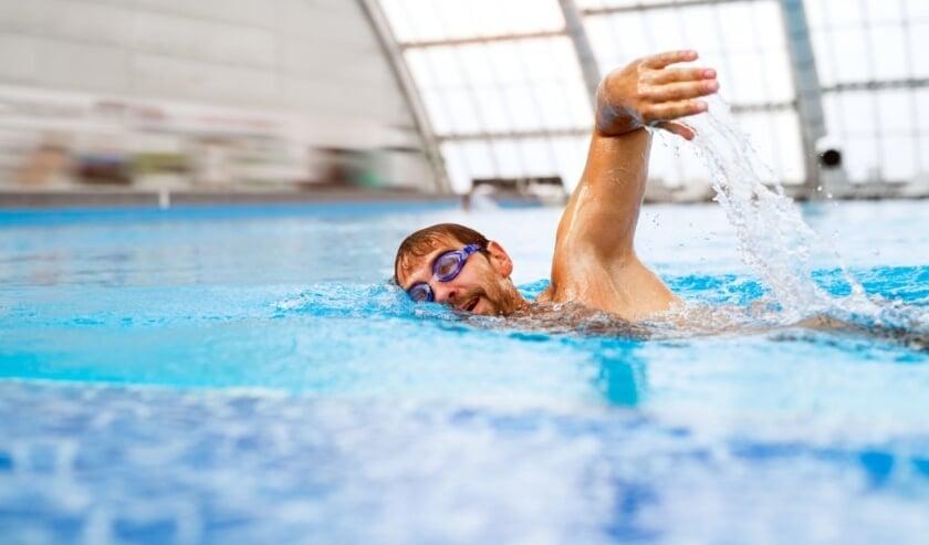 <p>Het zwembad biedt de mogelijkheid om naakt te zwemmen. (Foto:&nbsp;</p><p>Natuurlijk! NFN)</p>