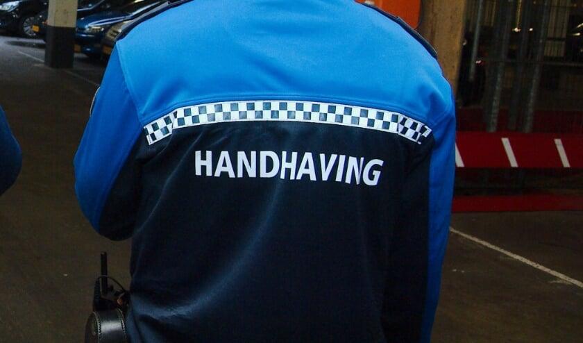 <p>Team Handhaving en de politie controleren de garage dagelijks</p>