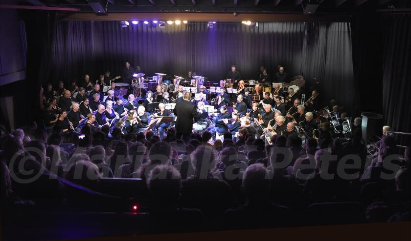 <p>Het is niet te zeggen hoe lang het zal duren voordat de Theaterbakkerheij weer een volle zaal zal krijgen. Foto: Marianka Peters</p>