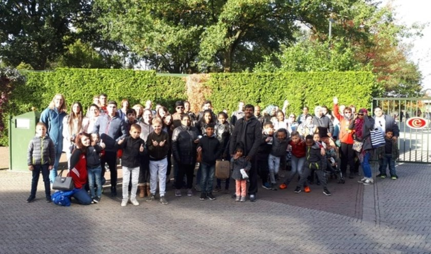 Ruim honderd kinderen en hun ouders die bij de eerste Droomreis in augustus niet meekonden naar de Efteling, kregen afgelopen zaterdag een tweede kans.