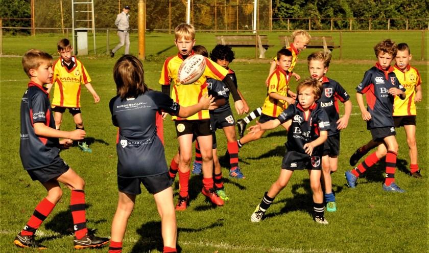De jongste jeugd heeft heerlijk gespeeld tegen Zwolle. Het Stichtsche U10 team kende nieuwe tegenstanders uit Zwolle en Apeldoorn.