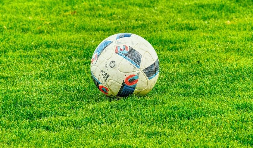 Arend Vinke verzamelt voor Veluws Nieuws de voetbaluitslagen van alle eerste teams uit de gemeentes Epe, Heerde en Hattem.