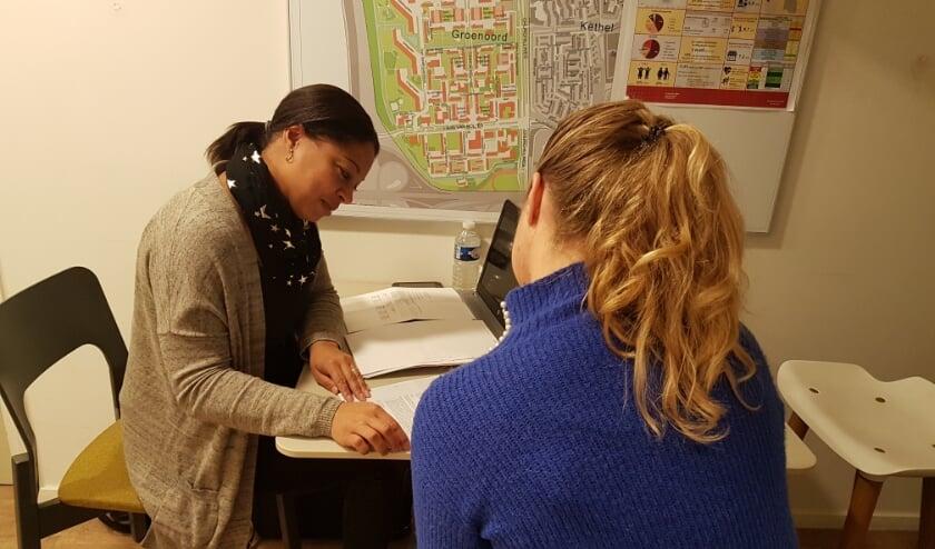 <p>Yvonne Lopes heeft verschillende werkplekken in Schiedam, Vlaardingen en Maassluis. (Foto: Priv&eacute;)</p>