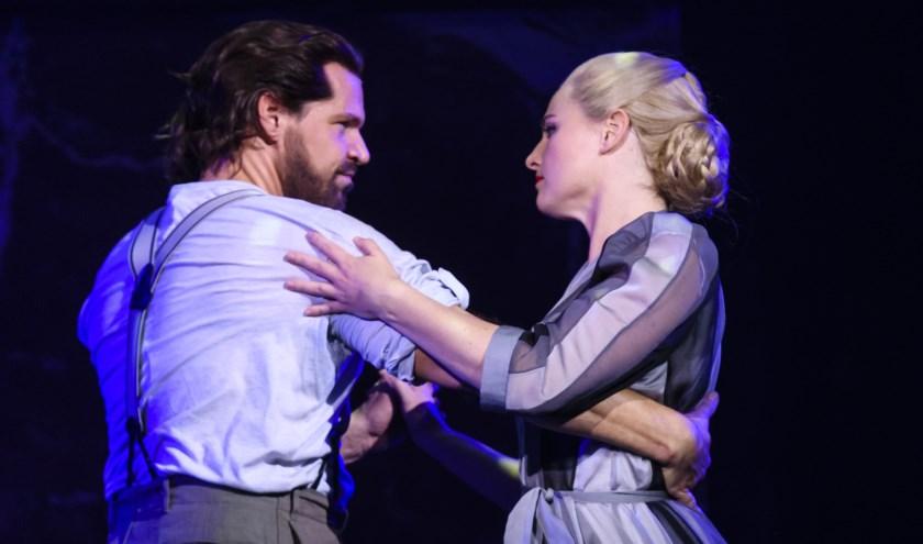 René van Kooten en Brigitte Heitzer in Evita. Foto: Roy Beusker