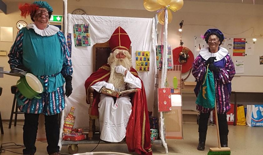 Bij het zien van Piet, durft Chris al geen nee meer te zeggen en doneert vaak een mooie prijs. Debbie de Geus heeft speciaal voor hem een gedicht geschreven.