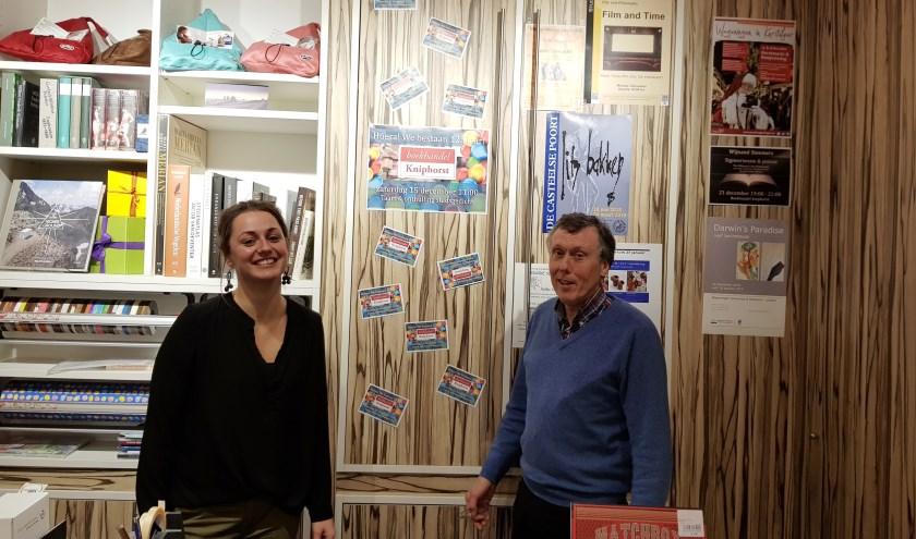 Ivanka de Ruijter en Niek Smaal nodigen iedereen uit om het 125-jarig bestaan van Kniphorst mee te vieren. (foto: Kees Stap)