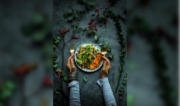 Gerecht bereid door Rakhee Yadav. (Foto: Charlize Oranje)  © DPG Media