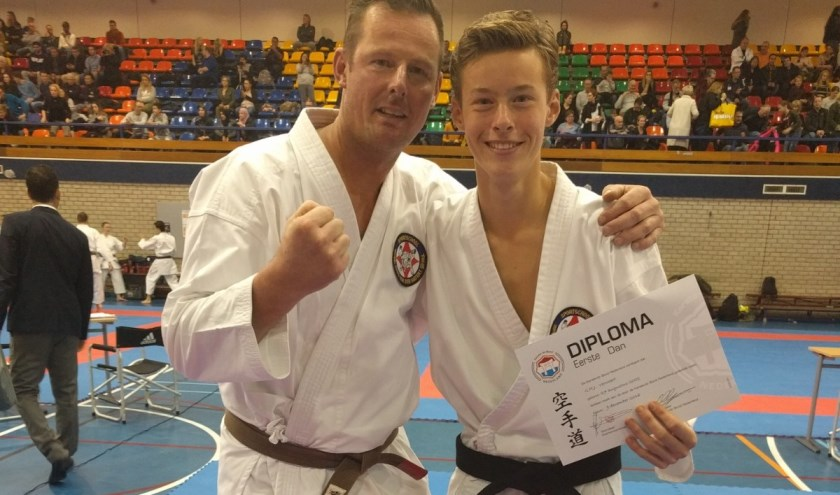 Jorian Verwoert samen met zijn trainingspartner, zijn vader Johan. (Foto: Hans v.d. Hatert)