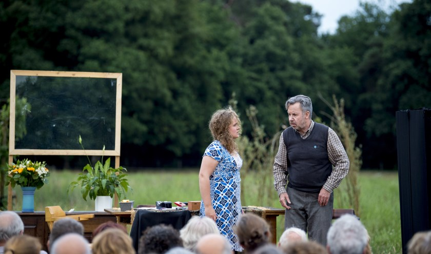 'Het gebroken licht van troost' werd in juni 2017 gespeeld bij zorgboerderij de Pimpernel. Foto: Werner Rutten.