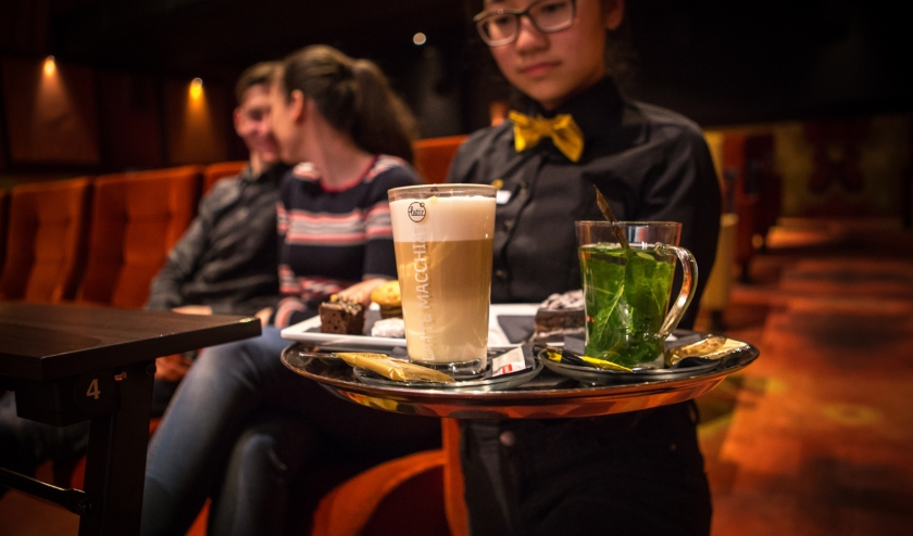 Cinema Gold heeft ook een oplossing gevonden om het serviceconcept waardoor de bioscoop zo geliefd is, in stand te houden. FOTO: Cinema Gold.