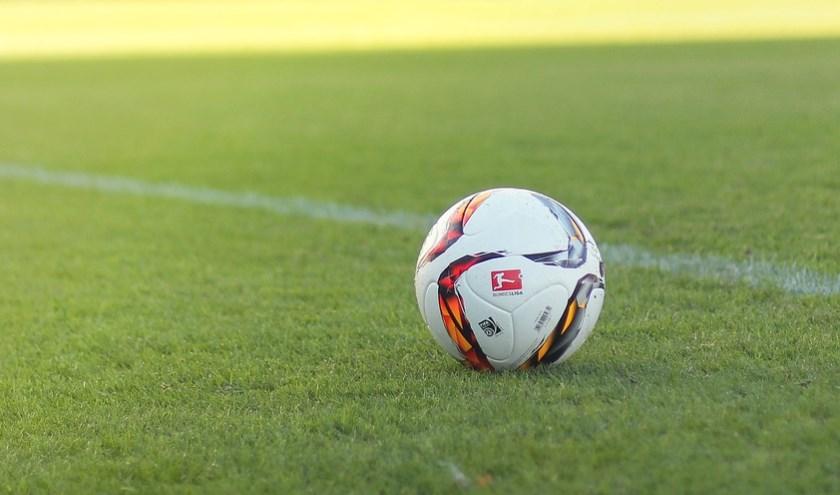 Arend Vinke, de sportverslaggever van Veluws Nieuws verzamelt ieder weekend uitslagen van voetbalclubs uit Epe, Heerde en Hattem.