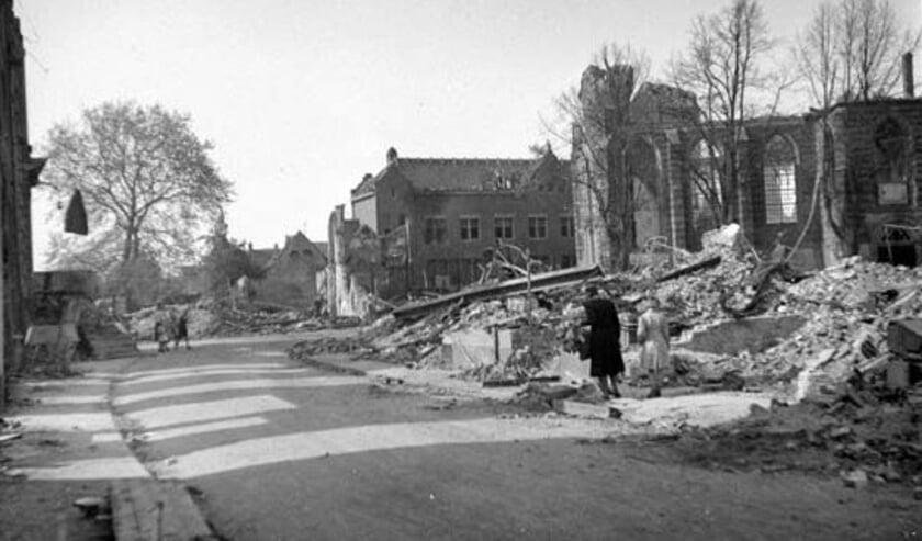 Boliestraat 1945. ECAL-collectie J C W  Massink