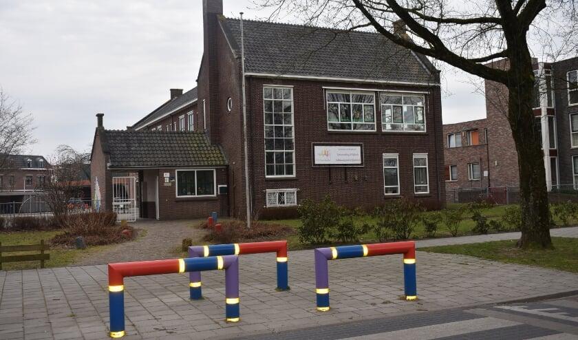 De voormalige basisschool De Touwladder worden een huisartsenpraktijk. (Foto: Van Gaalen Media)
