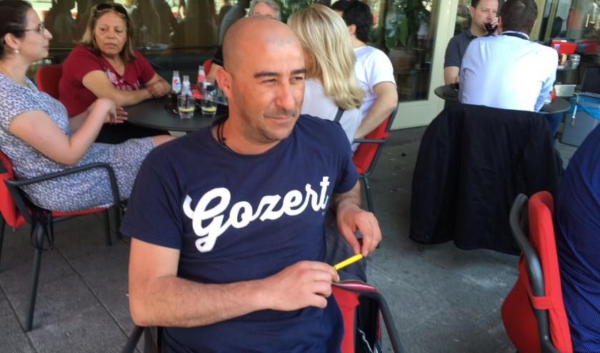 Rachid Benhammou vindt zichzelf  geen atheïst maar humanist én levensgenieter. Meer info op: www.nieuwevrijdenkers.nl.