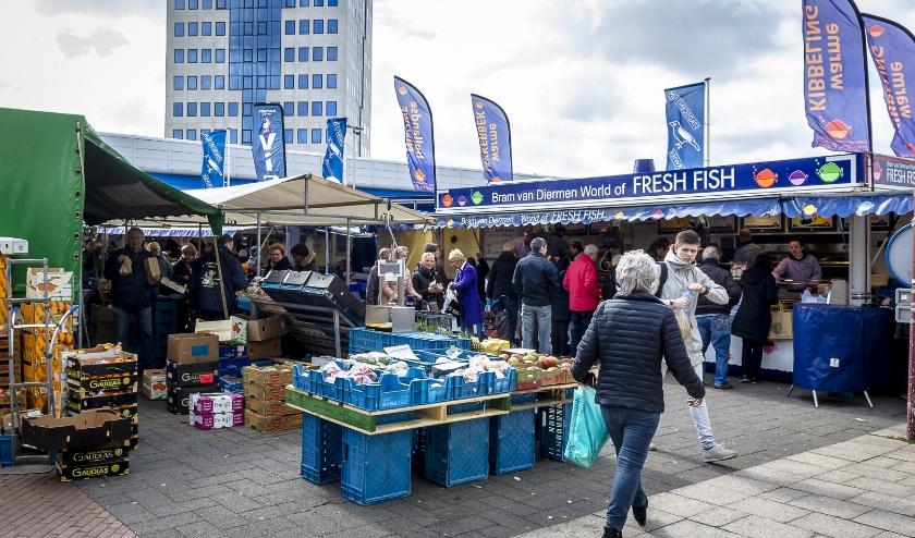 Markt in Capelle op donderdag op het Stadsplein. (Foto: Jan Kok)