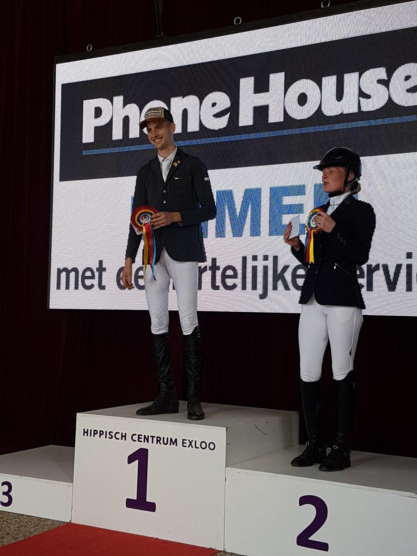 Milan Elshof op het podium.  Foto: PSV De Hertruiters © DPG Media