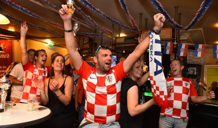 <p>Tijdens het WK in 2018 kwamen supporters van Kroati&euml; samen bij Jan ter Voert in Megchelen.</p>