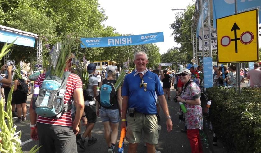 Jan Bos gaat over de finish. Weet gehaald!