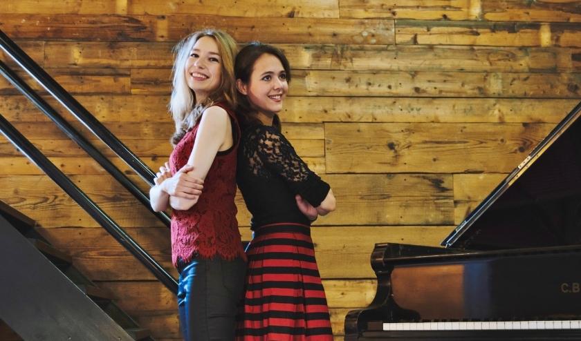 Beth & Flo  hebben een passie  voor klassieke muziek én het is hun missie om die muziek toegankelijk te maken voor iedereen.