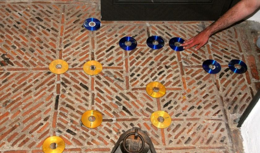 Het Molenspel spelen kan op de keldervloer in het museum. (foto: Voerman Museum Hattem)