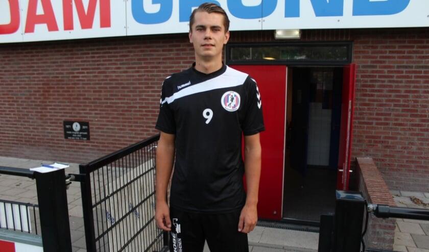 <p>Wesley Merkestein nam een van de drie treffers van VVA Achterberg tegen Candia&#39;66 voor zijn rekening. (Foto: Henk Jansen)</p>