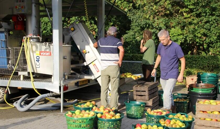 <p>Zaterdag 19 september kun je weer appels en peren laten persen bij het Stroomhuis in Neerijnen.</p>