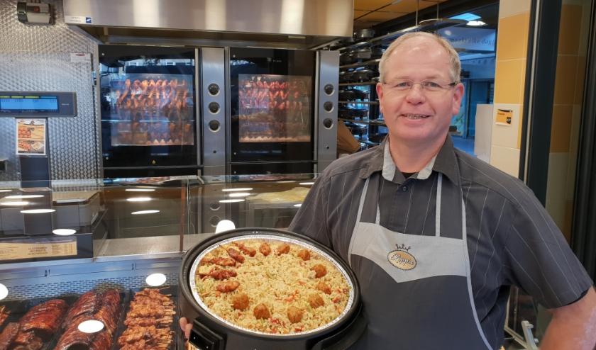 Franchise eigenaar Marcel Broesterhuizen van Kippie Grill & Maaltijden winkels aan de Binnenban is een tevreden ondernemer.