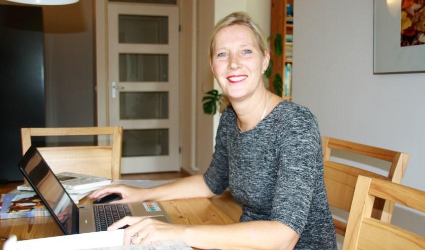Brig thuis op haar werkplek -www.meafabula.nl FOTO: Astrid van Walsem
