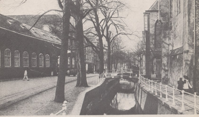 De Oude Delft met het Prinsenhof.